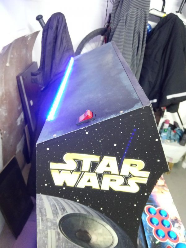 Bartop light con pedestal vinilos star wars